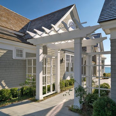 Traditional Exterior by Jan Gleysteen Architects, Inc