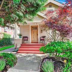 traditional exterior by Seattle Staged To Sell