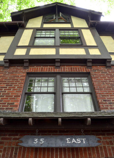 Traditional Exterior by Sarah Greenman