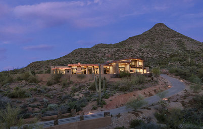 Houzz Tour: Open Living in the Arizona Desert