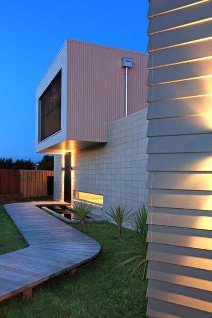 Modern Exterior by jessop  architects