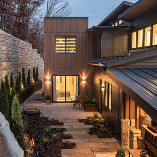 Inspiration för stora moderna flerfärgade hus i flera nivåer, med blandad fasad