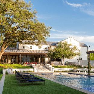 ダラスのコンテンポラリースタイルのおしゃれな家の外観の写真