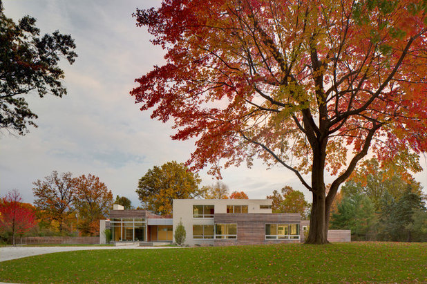 Modern Exterior by 9th Avenue Designs