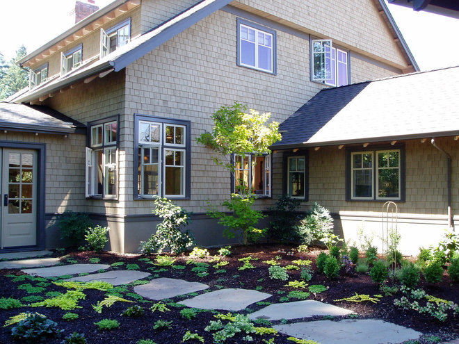 Traditional Exterior by David Edrington, Architect
