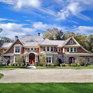 Shingle Style in Mid Country Greenwich