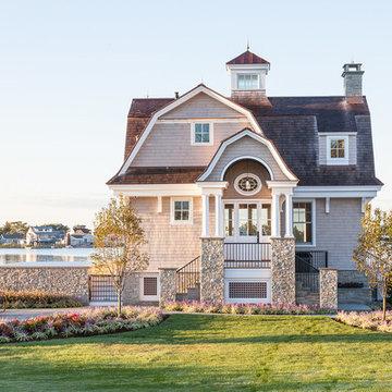Shoreline Poolhouse