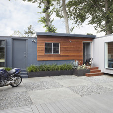 Contemporary Exterior by building Lab, inc.