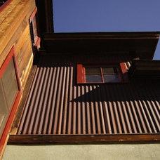 Contemporary Exterior by Alpenglow Building & Design Inc.