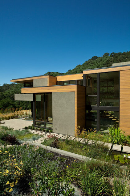 Modern Exterior by Swatt   Miers Architects