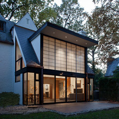 modern exterior by Gardner Mohr Architects LLC