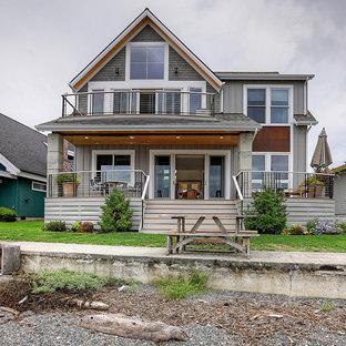 Idéer för maritima grå hus, med två våningar, sadeltak och tak i shingel