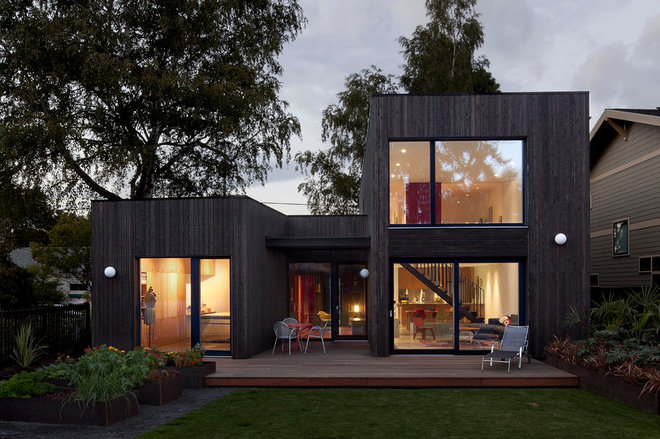 Contemporary Exterior by In Situ Architecture