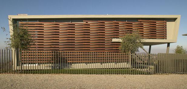 Moderno Fachada by Belzberg Architects