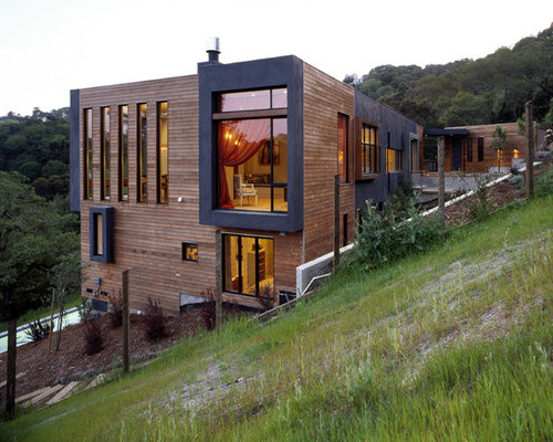 Steep slope house houzz Sloping site house designs