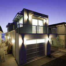 Contemporary Exterior by Isaman design, Inc.