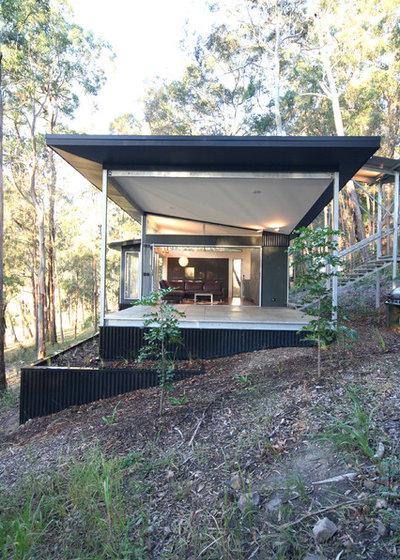 Modern Exterior by Sandberg Schoffel Architects