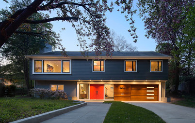 Houzz Tour: Saving a 'Brady Bunch' Staircase in a Midcentury Remodel