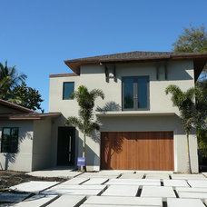 Modern Exterior by FORMGROUP, Inc.
