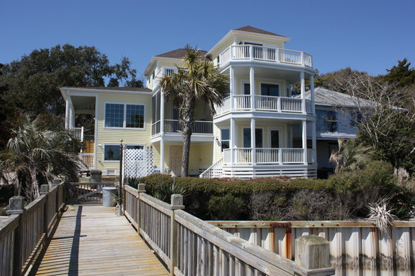 Beach Style Exterior by Crane Building LLC