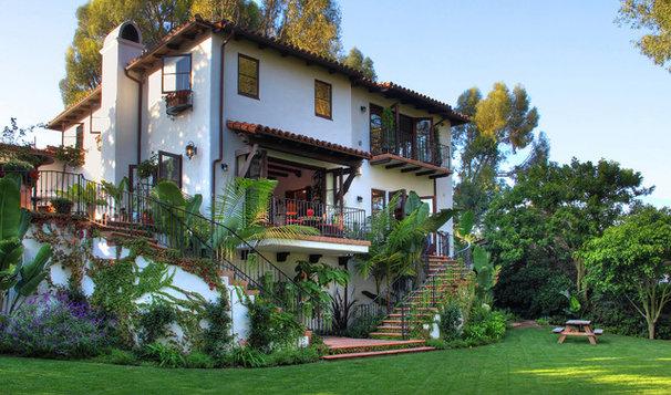 Mediterranean Exterior by Pritzkat & Johnson Architects