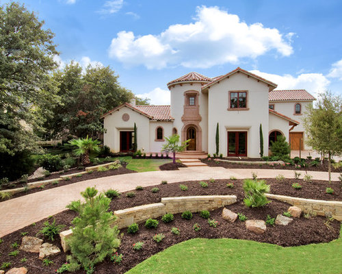 Spanish Colonial With Front Courtyard