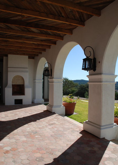 9 architectural elements of spanish revival style for Exterior architectural elements