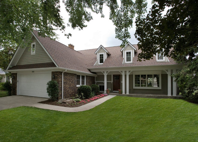 Traditional Exterior by Troy Mock Architects