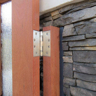 Stainless Steel Heavy Duty Gate Hinges on Courtyard Double Gates