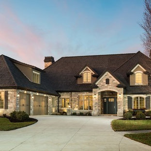 Inspiration for a traditional exterior in Omaha.