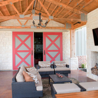 Traditional metal exterior home idea in Houston
