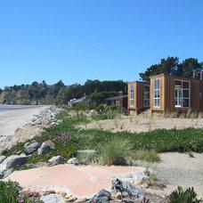 Beach Style Exterior by Turnbull Griffin Haesloop