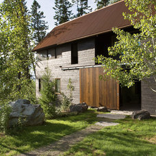 Rustic Exterior by Andersson-Wise Architects