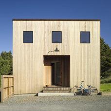 Contemporary Exterior by Malcolm Davis Architecture