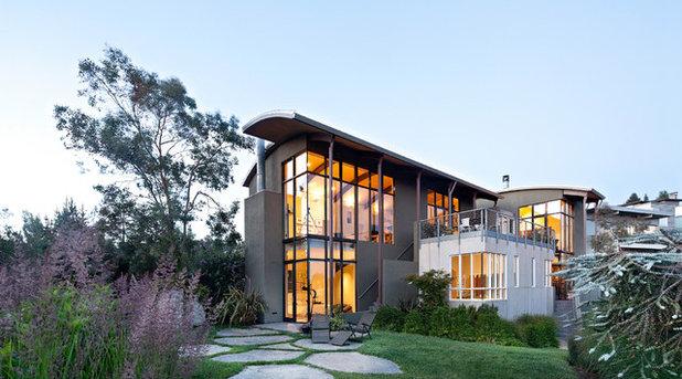 Modern Exterior by WA Design Architects