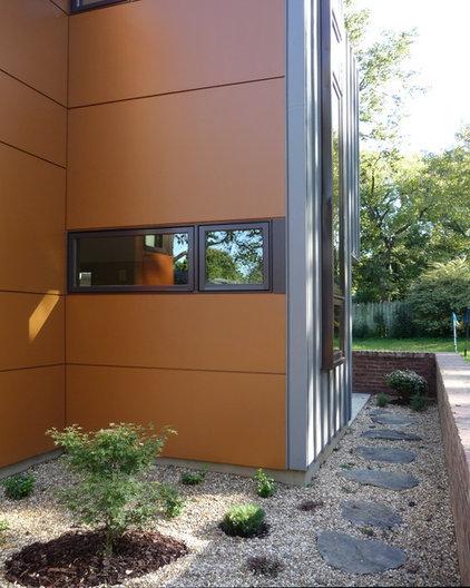 Modern Exterior by John TeSelle
