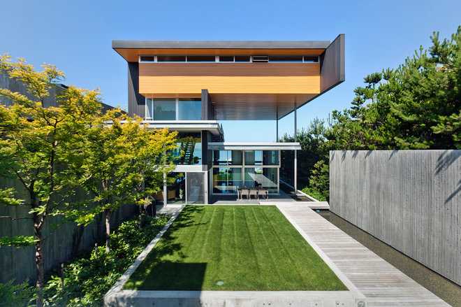 Modern Exterior by Gilbertson Photography