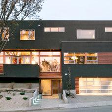 Modern Exterior by Sabal Homes