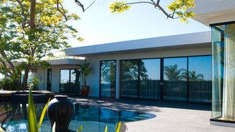 Stylish Contemporary Backyard for Entertaining