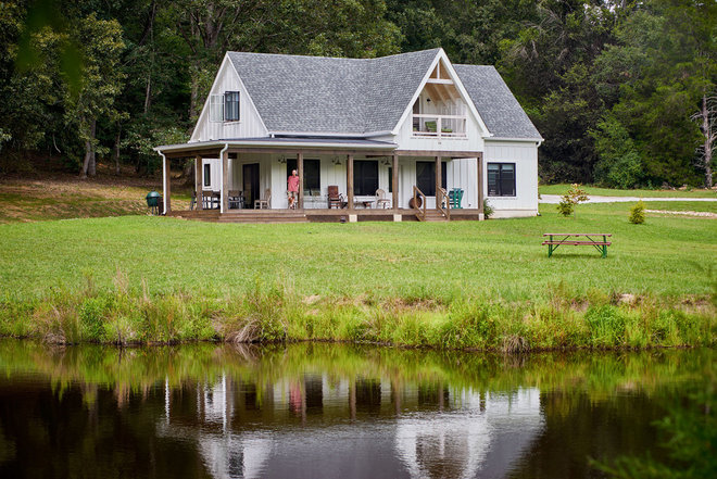 Farmhouse Exterior by Elizabeth Eason Architecture LLC