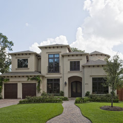 mediterranean exterior by Sullivan, Henry, Oggero and Associates, Inc.
