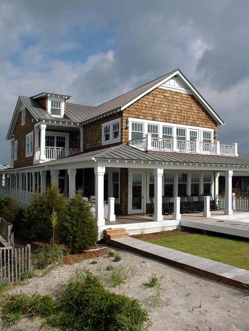 Foto e idee per facciate di case facciata di una casa al for Piani di casa per due casa di famiglia