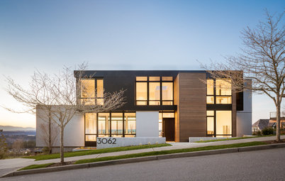 Houzz Tour: Minimalist Splendor in Seattle