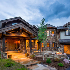 Rustic Exterior by Martin Manley Architects