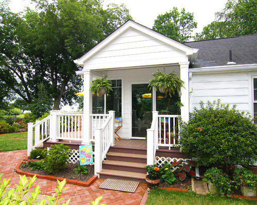 Small porch ideas pictures remodel and decor for Side entrance porch designs