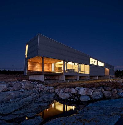 Модернизм Фасад дома by MacKay-Lyons Sweetapple Architects Limited
