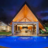Sunshine Villa - Award Winning Residence in Sunshine Beach