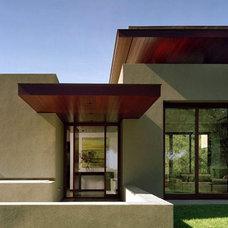Modern Exterior by Swatt Architects