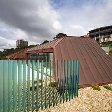 Modern Exterior by Dale Jones-Evans Pty Ltd Architecture