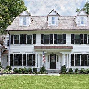 Large traditional exterior in New York.